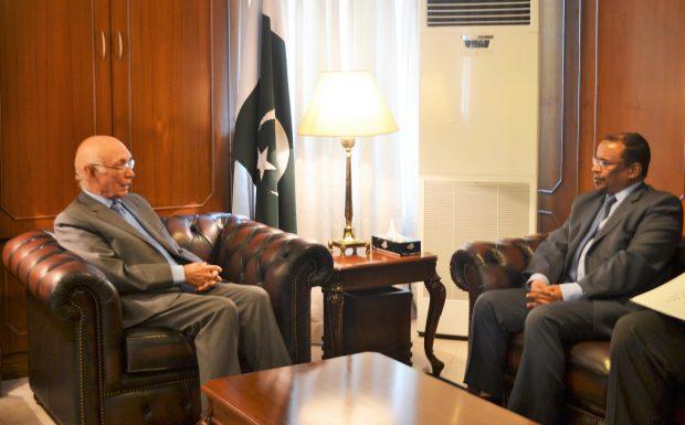 اجتماع السيد مستشار رئيس الوزراء الباكستاني للشئون الخارجية بالسيد الوكيل والوفد المرافق