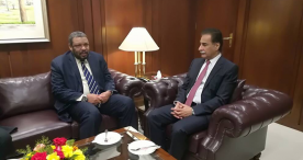 التقى اليوم الاربعاء 2017/11/29 سفير السودان بإسلام آباد، السيد السفير تاج الدين الهادي، برئيس البرلمان الباكستاني السيد سردار إياز صادق