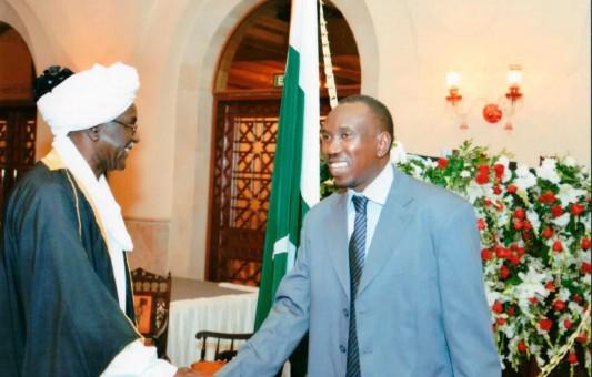 H.E Alshafie Ahmed greating diplomates